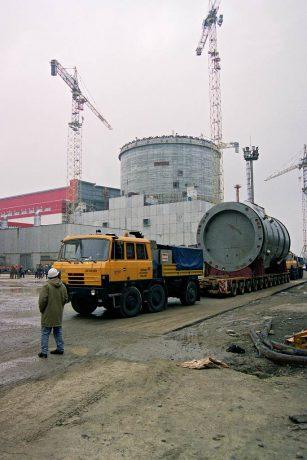 jaderná energie - Vláda projedná možnosti přepravy reaktorů do jaderných elektráren - Nové bloky v ČR (reaktor nadoba doprava kontejnment kopie 1024) 1