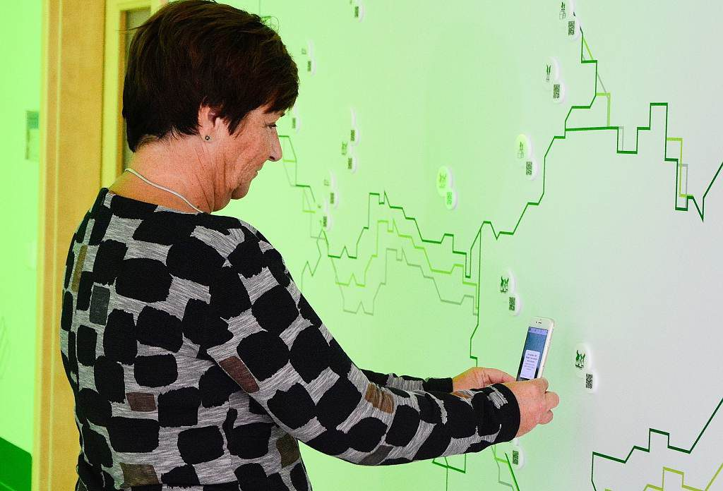 jaderná energie - ZAT zrekonstruoval výrobu rozvaděčů za 12 milionů korun - V Česku (zat QR kód s informacemi k projektům ZAT showroom 1024) 2