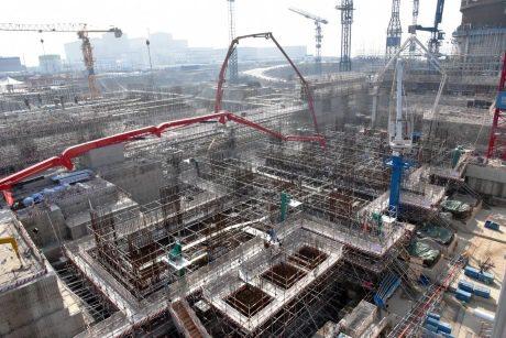 jaderná energie - Začala výstavba strojovny pro první reaktor Hualong One - Nové bloky ve světě (Fanchenggang 3 turbine concrete pour November 2017 CGN 460x307) 1