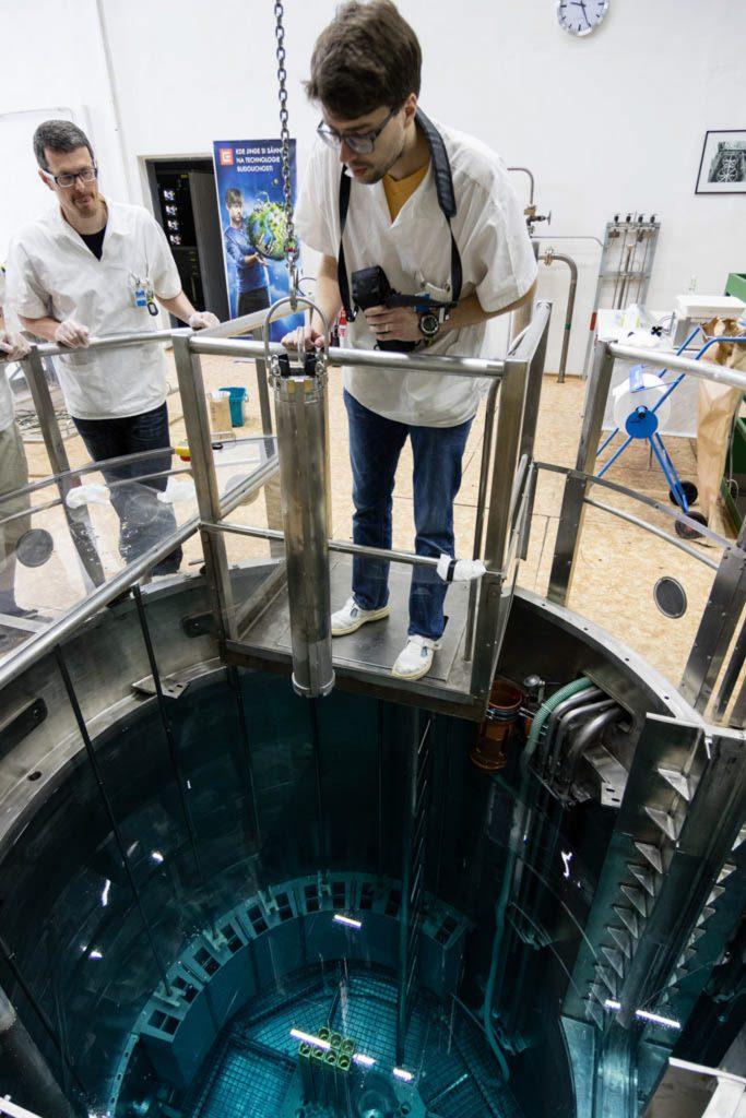 jaderná energie - Pražský deník: Za jadernými fyziky. Školní reaktor má menší výkon než rychlovarná konvice - Věda a jádro (reactor 1) 3