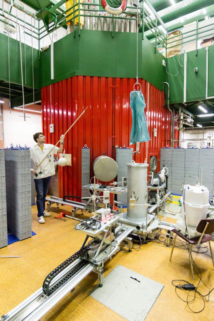 jaderná energie - Pražský deník: Za jadernými fyziky. Školní reaktor má menší výkon než rychlovarná konvice - Věda a jádro (reactor 5) 1
