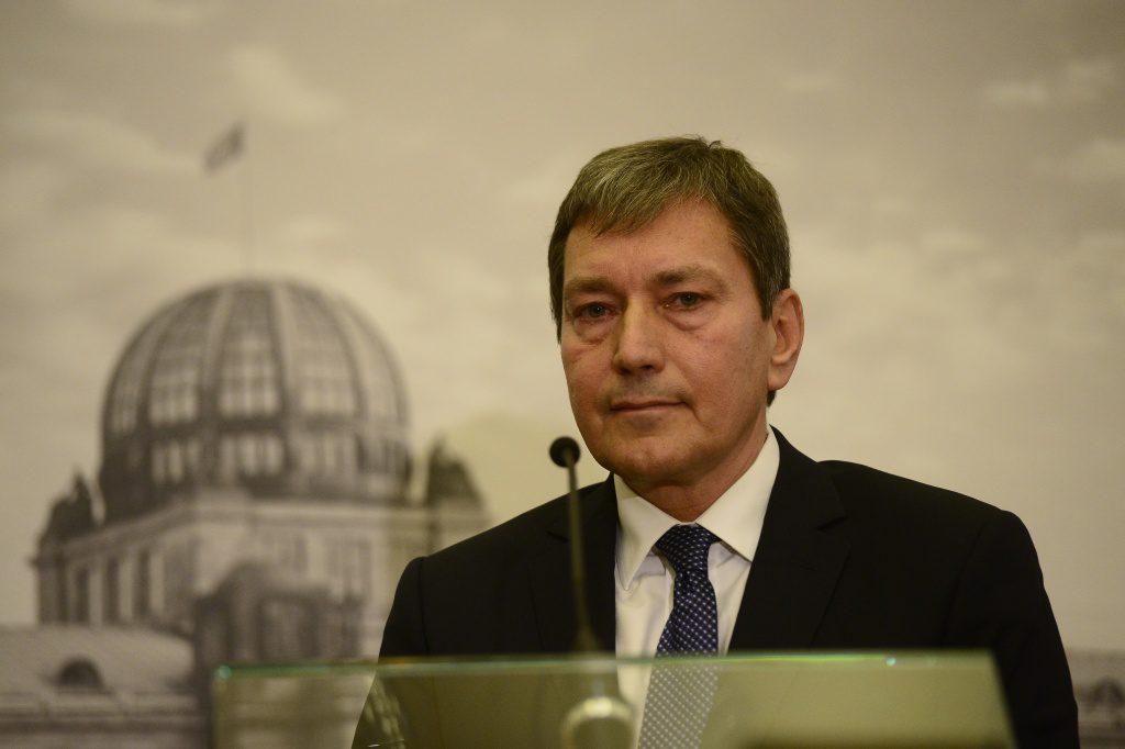 jaderná energie - Nový ministr průmyslu a obchodu Tomáš Hüner se včera ujal úřadu - V Česku (DSC7165 1024) 1