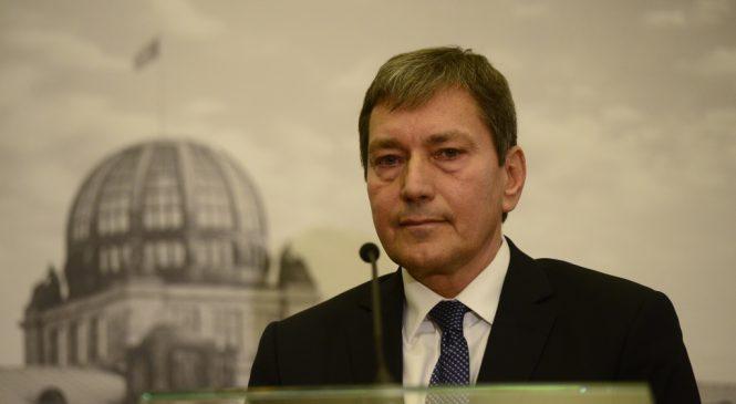 Nový ministr průmyslu a obchodu Tomáš Hüner se včera ujal úřadu