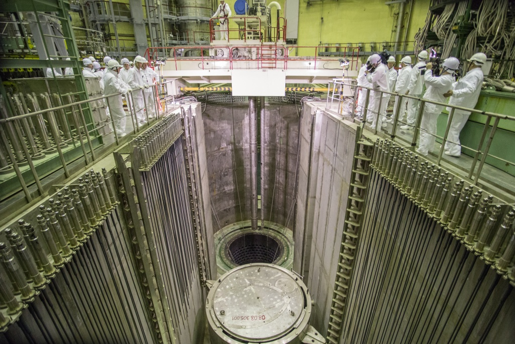 jaderná energie - V Leningradské JE-II dokončili zavážení paliva - Nové bloky ve světě (IMG 4682 1024 1) 4
