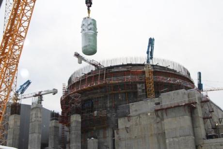 Do druhého bloku JE Leningrad II byla instalována reaktorová nádoba