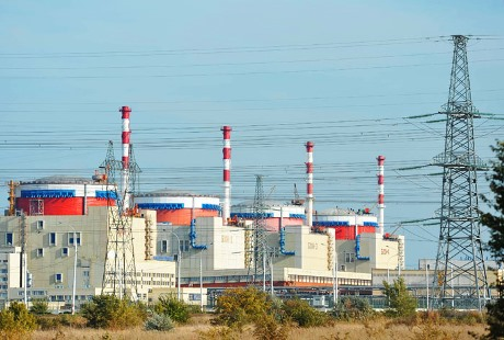 Rusko dokončilo montáž reaktoru čtvrtého bloku JE Rostov