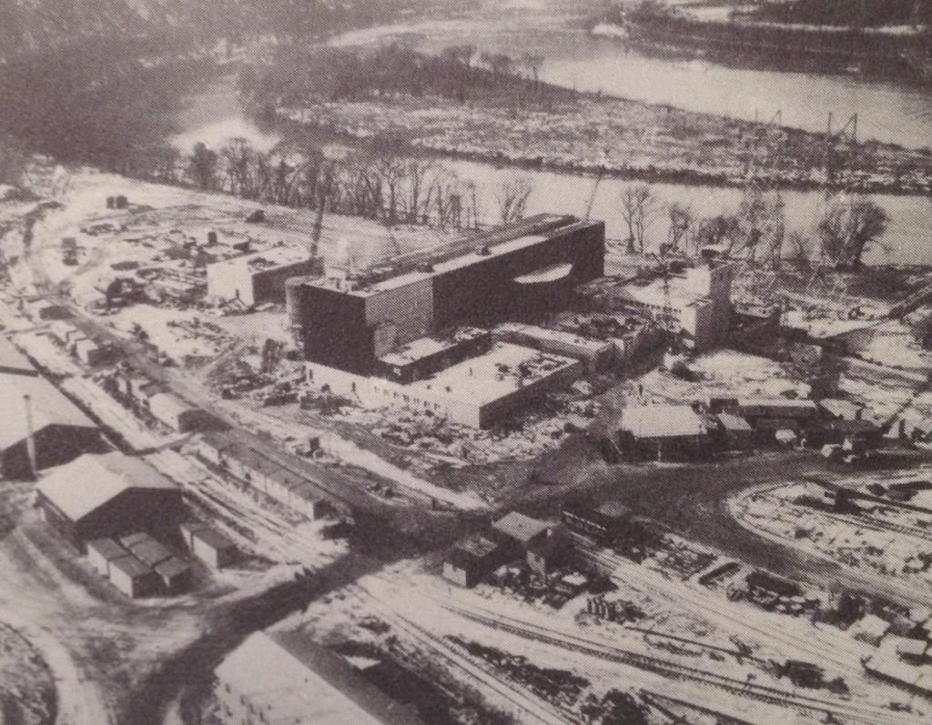 jaderná energie - Jaderná elektrárna Shippingport – 5 rychlých faktů - Zprávy (Shippingport Under Construction) 3