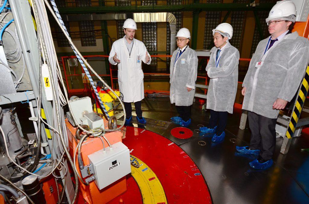 jaderná energie - O japonské spolupráci v Řeži - JE Fukušima (UJV vevyslanecJAP 04 1024) 2