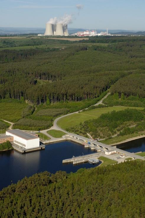 jaderná energie - MF Dnes: Čerpám ze zkušeností, které jsem za 30 let získal - V Česku (ETE Hnevkovice letecky 740 1) 1