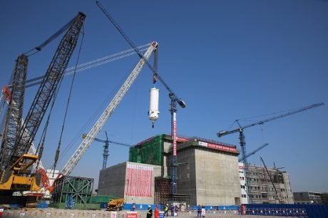 jaderná energie - Polské ministerstvo energetiky se zaměřuje na reaktory HTGR - Inovativní reaktory (First HTR PM vessel installed 460 China Huaneng) 1
