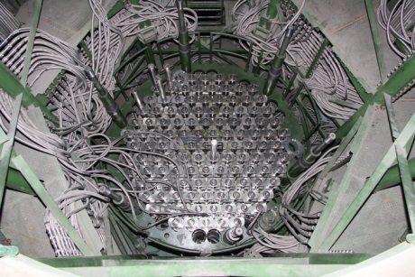 jaderná energie - Reaktor v prvním bloku JE Leningrad II je kompletní - Nové bloky ve světě (Leningrad II 1 reactor internals 460 Rosatom) 1