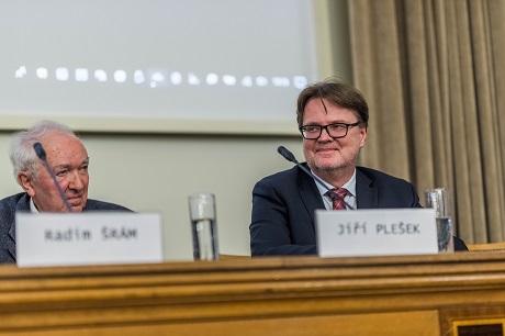 AV ČR: Jakým směrem rozvíjet energetiku? Experti upřednostňují jádro
