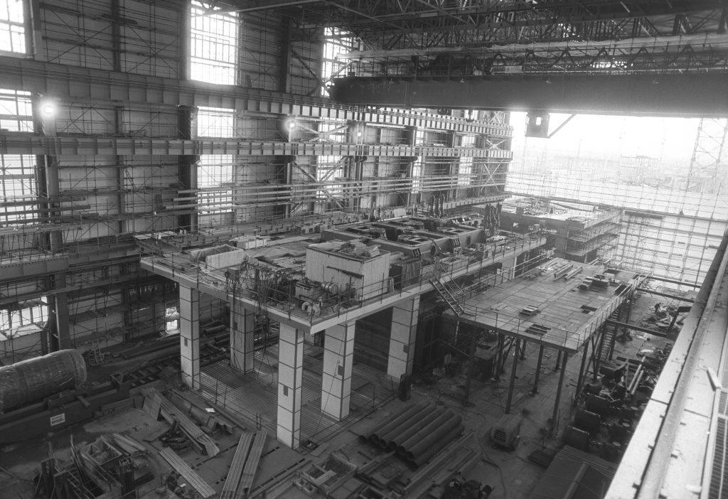 jaderná energie - Technické opakování: Počátky atomového věku část 2 - Ve světě (01836 výstavba Jaderné elektrárny 1024) 4