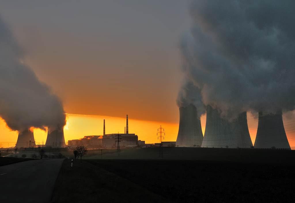 jaderná energie - ČRo: Dana Drábová: Rozhodnutí o délce provozu jaderných elektráren je vždy politické, ne bezpečnostní - V Česku (DSC 3968 Už opět vychází slunce nad jaderkou 1024) 1