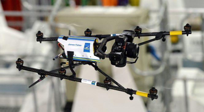 Dron prozkoumá vnitřní prostory Fukušimské elektrárny