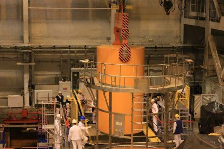 jaderná energie - Z druhého bloku JE Ignalina bylo odstraněno použité palivo - Ve světě (Ignalina used fuel transfer machine 460 Ignalina NPP) 1