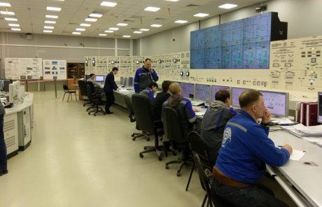 jaderná energie - První blok JE Leningrad II zahajuje fázi uvádění do provozu - Nové bloky ve světě (Leningrad II 1 control room 460 Rosatom) 1