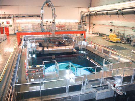 jaderná energie - Na druhém bloku JE Oskarshamn bude brzy zahájena demontáž vnitřního zařízení reaktoru - Ve světě (Oskarshamn 2 reactor hall 460 OKG) 1