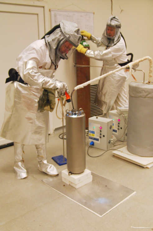 jaderná energie - Vesmír: Jaderné energetické technologie: zmenšování a modularita - Inovativní reaktory (fhr msr cvr 20160927 05 740) 2