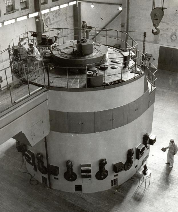 jaderná energie - Technické opakování: Počátky atomového věku část 2 - Ve světě (fjfi 2101 740) 2