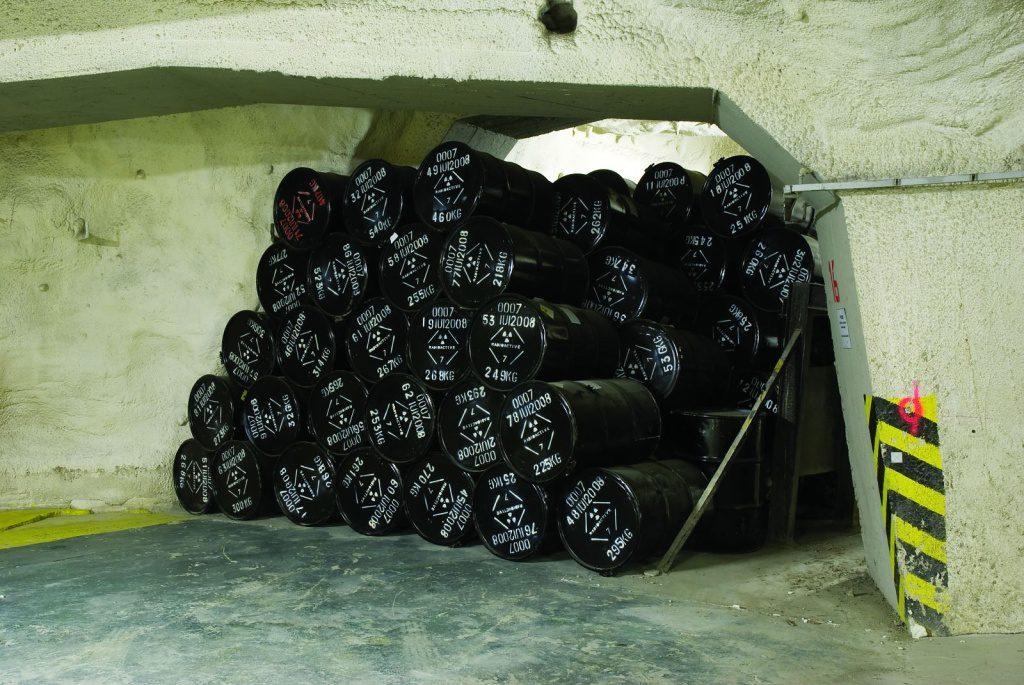 jaderná energie - Třetí ruka: Bezpečnost radioaktivních odpadů a hledání nového hlubinného úložiště v ČR - Back-end (uloziste richard 5 1024) 1