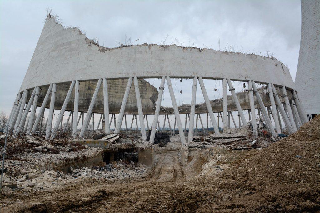 jaderná energie - Video: Demolice chladicích věží v Jaslovských Bohunicích pokračuje - Back-end (22 0212 1024) 1
