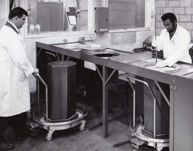 jaderná energie - Fort St. Vrain v obrázcích, část 3 - Fotografie (Fort St Vrain fuel fabrication) 5