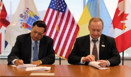 jaderná energie - Memorandum o porozumění zajistí Ukrajině technologii SMR-160 od společnosti Holtec - Ve světě (Holtec signing 2 460) 1