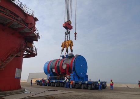 Začala instalace reaktorové nádoby v pátém bloku JE Chung-jen-che