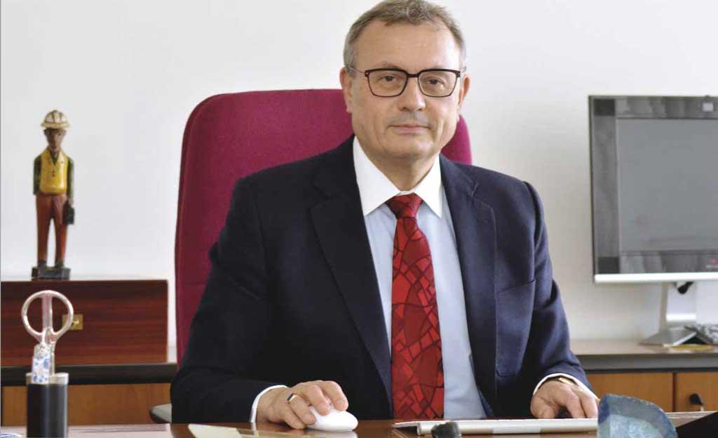 jaderná energie - Dlouhý: Představa Babiše, že ČEZ má zaplatit blok sám, je fikcí - Nové bloky v ČR (Prezident) 3
