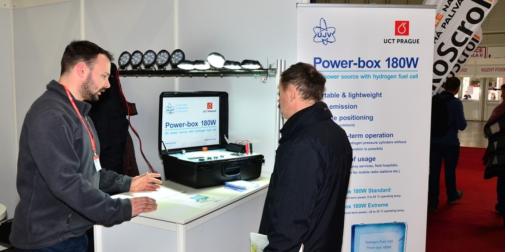 jaderná energie - ÚJV Řež prezentuje svůj vodíkový Power-box na veletrhu Aquatherm 2018 - V Česku (rez 4710 1024) 3
