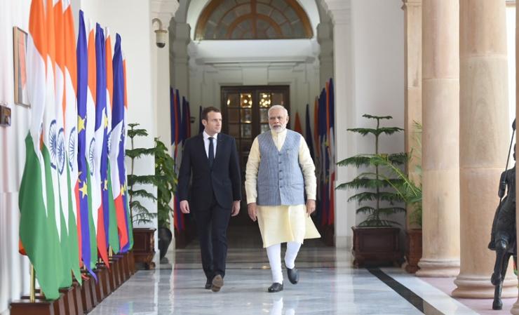 Francouzské firmy uzavřely v Indii kontrakty za 13 miliard eur