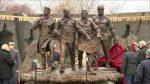 VMoskvě uctili květinami památník hrdinům Černobylu