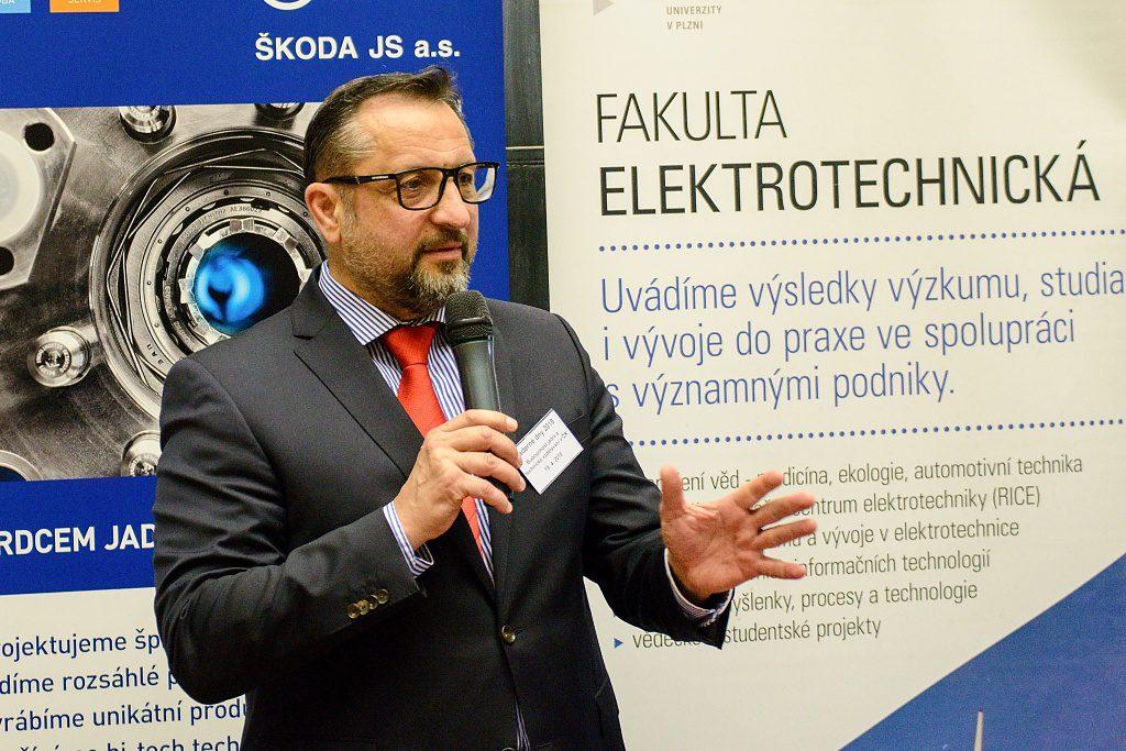 jaderná energie - Jaderné dny 2018: Kupme si projekt jaderné elektrárny - Nové bloky v ČR (DSC 7978 1024) 2