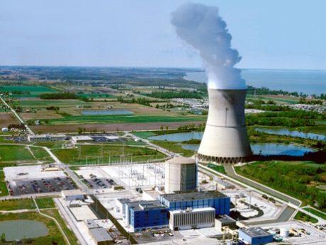 jaderná energie - Zpráva zdůrazňuje dopad uzavření jaderných elektráren v USA - Ve světě (Davis Besse 460 Fenoc) 1