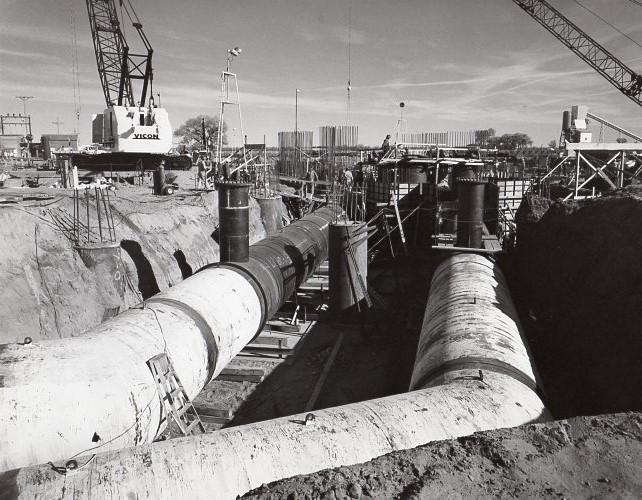 jaderná energie - Fort St. Vrain v obrázcích, část 5 - Fotografie (Fort St Vrain circ water pipes under turbine foundation) 3
