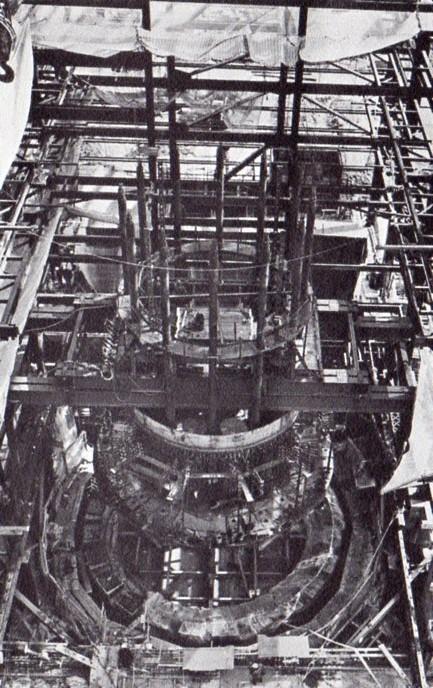 jaderná energie - Fort St. Vrain v obrázcích, část 5 - Fotografie (Fort St Vrain placing lower head) 7
