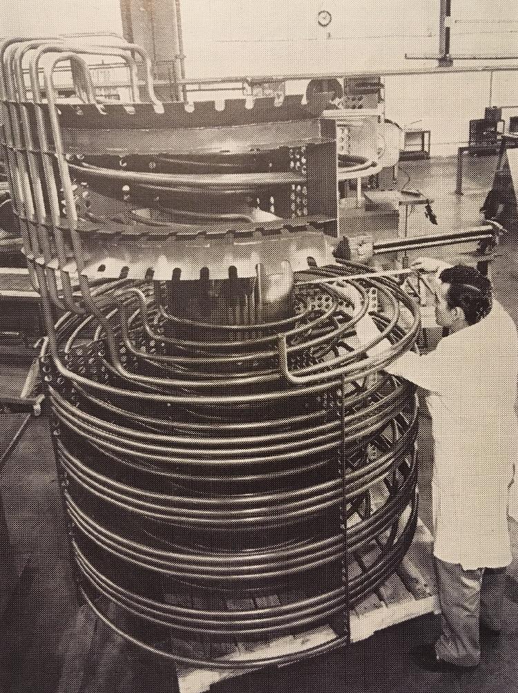 jaderná energie - Fort St. Vrain v obrázcích, část 4 - Věda a jádro (Fort St Vrain steam generator building) 6