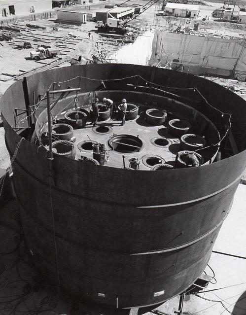jaderná energie - Fort St. Vrain v obrázcích, část 5 - Fotografie (Fort St Vrain welding lower head) 4