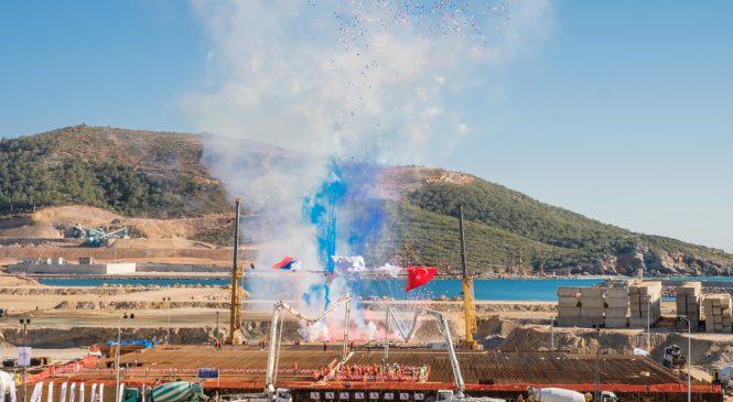 Výstavba turecké jaderné elektrárny Akkuyu oficiálně začala