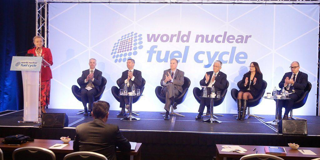 jaderná energie - Rosatom na konferenci WNFC 2018 vMadridu představil svůj vývoj voblasti jaderného palivového cyklu - Palivový cyklus (foto Madrid) 1