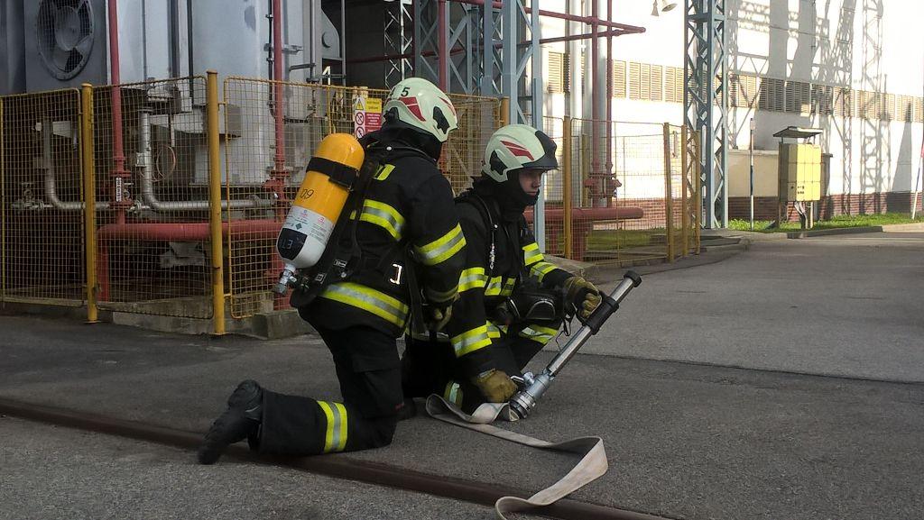 jaderná energie - V Temelíně proběhlo první letošní cvičení. Okolí se nedotklo - V Česku (hasici byli pripraveni zasahnout behem nekolika minut) 3
