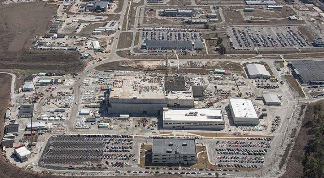 Američané zastavili stavbu továrny na MOX palivo