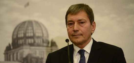 Hüner: Investorský model stavby bloku výbor zatím nedoporučí