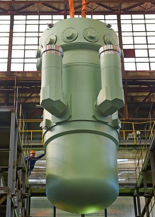 jaderná energie - Rusko a Jordánsko budou společně rozvíjet malé jaderné reaktory - Nové bloky ve světě (Malý reaktor RITM 200 původně určený pro námořní použití a vhodný i pro suchozemské JE 740) 1