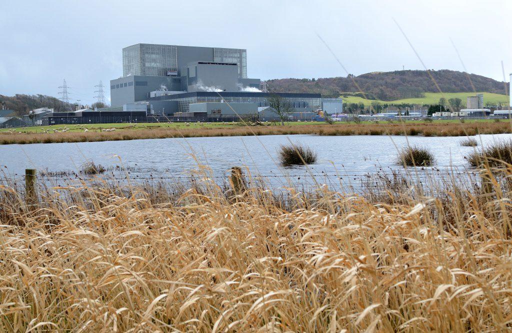jaderná energie - E15: Praskliny prodloužily odstávku reaktoru ve Skotsku, jaderné elektrárny v Británii stárnou - Ve světě (edf hunterston 044 1024) 1