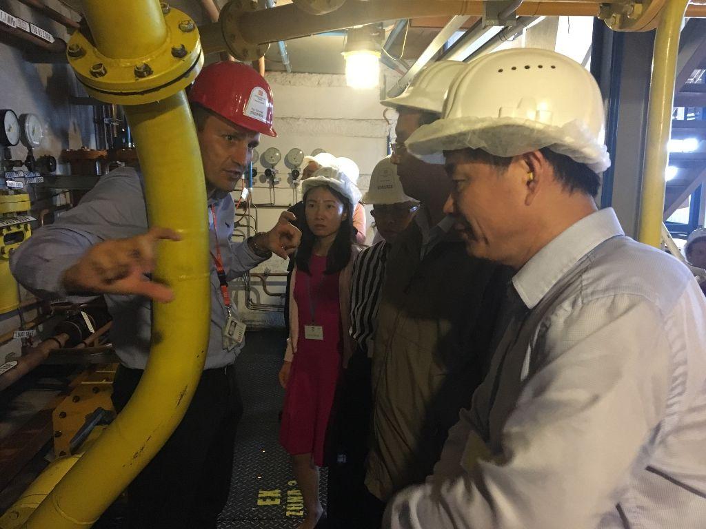 jaderná energie - Fukušima je poučením pro Čínu i Česko - V Česku (cinsti predstavitele si temelin prohledli dukladne) 2