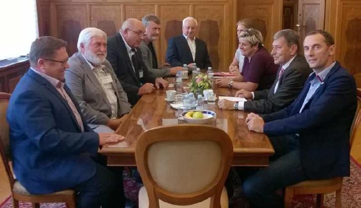 Region na návštěvě u ministra Hünera