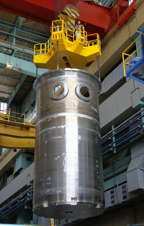 jaderná energie - Škoda JS vyrobí části jaderného reaktoru pro britskou elektrárnu - Nové bloky ve světě (01 EPR reactor core barrel 740) 1