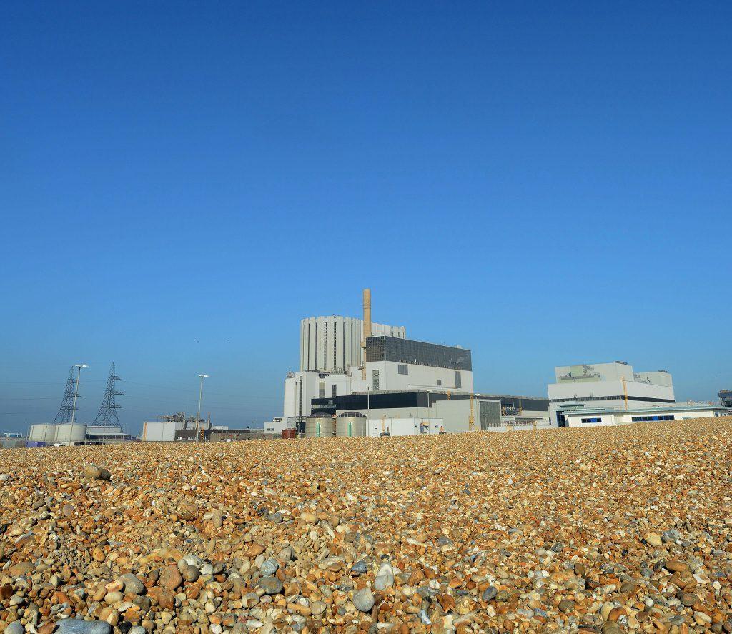 jaderná energie - CGN popírá, že by se ucházela o podíl v britských jaderných elektrárnách - Ve světě (Dungeness B power station in Kent 1024) 1